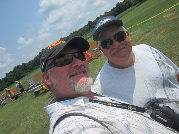 Here, Gerry (left) and longtime MAN contributor - and WWI warbird specialist - Sal Calvagna mug for the camera.