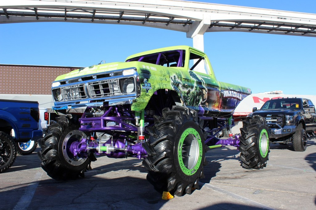 RC Car Action's Kevin Hetmanski on the scene at SEMA 2014!